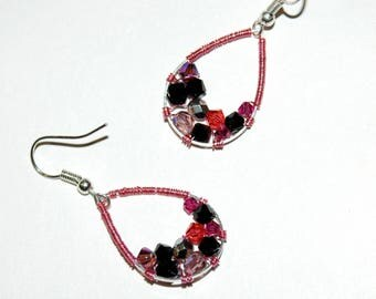 Poppy - black and pink earrings