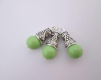 3 breloque perle vert anis et calotte métal argenté 21 x 8 mm