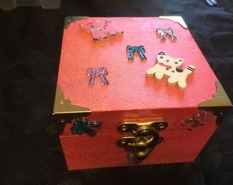Wooden cat themed keepsake box in pink, decorated wooden box, memory box, trinket box, cat gift, gift for her, cat lover,