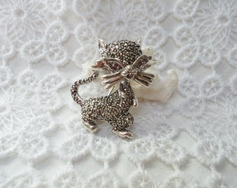 Kitty brooch silver and Marcasite