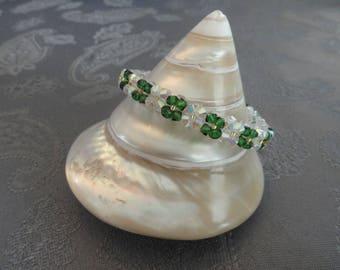 Women bracelet emerald green and white Swarovski Crystal beads