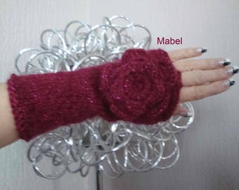 Flower crochet, raspberry or Burgundy, warm and soft mittens