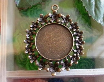 round flat top: 26mm flower pendant white settings frame cameo antique vintage cabochon and rhinestones.