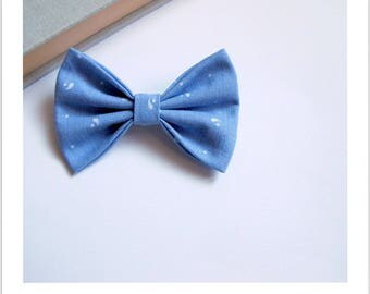 """""""Skewer me"""" butterfly bow brooch in blue and white"""