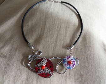 Choker of aluminum wire and beads
