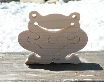 Funny frog-cut wooden jigsaw