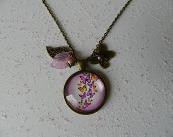 Necklace bronze butterflies that fly pair.