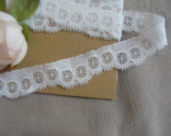 1 meter of white lace width 2 cm embroidered polyester cotton