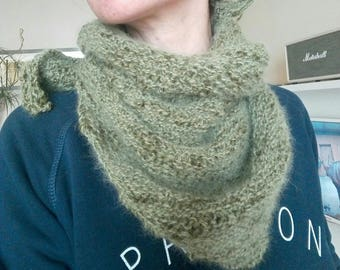 Mini trendy shawl wool and angora.