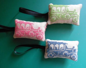 3 small hand - cars embroidered Lavender sachets