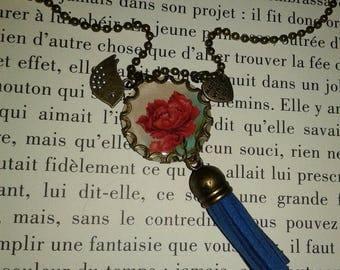 Long necklace - pendant - tassel - 'red rose'