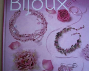 Book jewelry charm editions Ouest - France