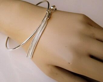 Tassel Bangle Bracelet silver plated N3420