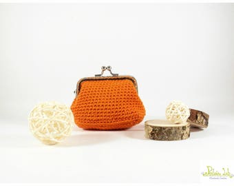 Orange coin purse made of crochet with shiny silver metal closure clip clap