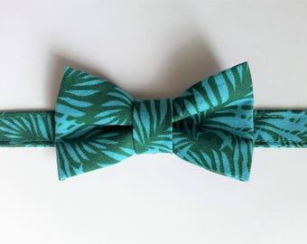 Noeud papillon pour enfant en tissu coton vert et turquoise à motif feuille