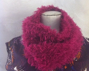 Collar snood giant wool faux fur pink.
