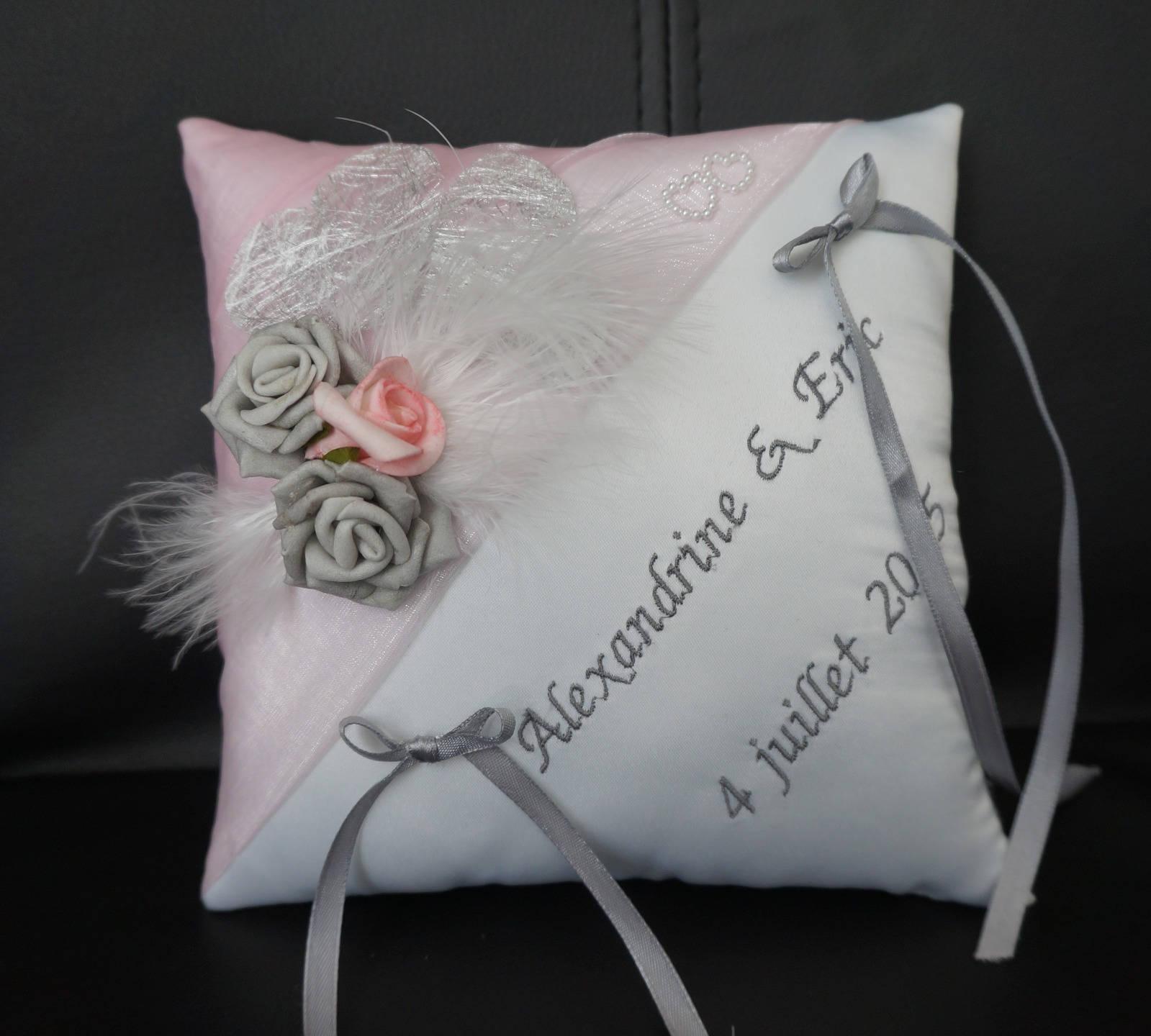 coussin porte alliance ivoire et rose pale. Black Bedroom Furniture Sets. Home Design Ideas