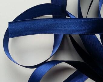 1 metre de ruban  de satin bleu   15 mm