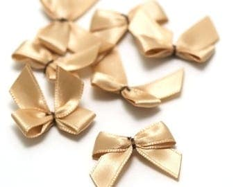 10 bow ties of satin ribbon 21 x 20 mm, champagne