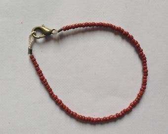 Bracelet light brown/brown seed bead and bronze clasp