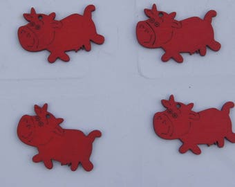 SET of 4 red wooden cows +/-4 x 2 CM