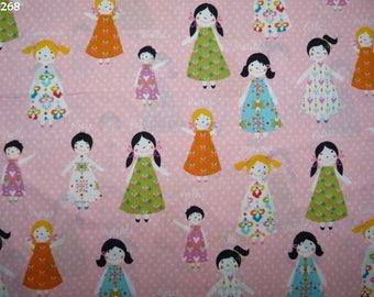 Fabric C268 girls on pink coupon 35x50cm