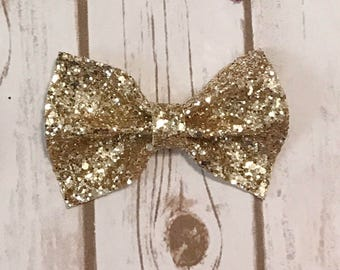 Stay Golden Chunky Glitter Bow