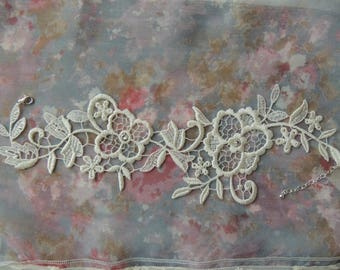 Bridal lace necklace cream two flowers
