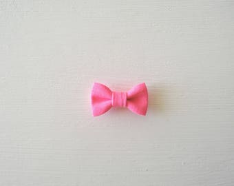 Small baby hair bow-neon pink