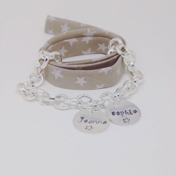 """Silver personalized bracelet with 2 small medals and engraving customizable """"My treasure"""" by Palilo"""