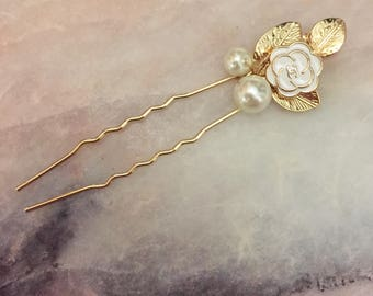 Designer Button Hairpin
