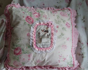 BEAUTIFUL CUSHION SHABBY CHIC FLORAL PINK AND WHITE