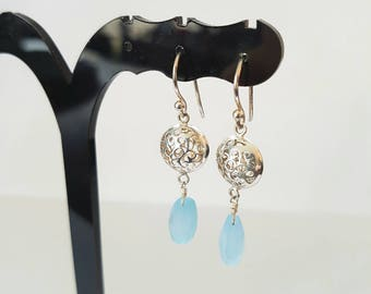 SPHERE - Crochet earrings in 925 Silver with a blue chalcedony gemstone