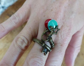 "Bronze ring and epoxy enamel key ""Musca"""