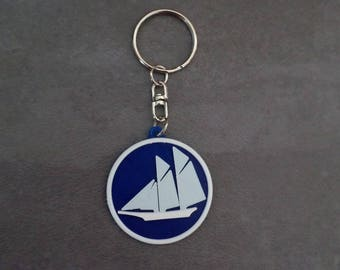 Printed in 3D, blue and white sailboat keychain