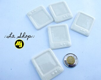 "1 set of 5 cabochons/mini white canvas ""retro TV"""