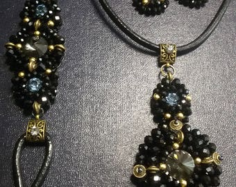 Black jewelry set.