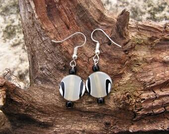 Earrings white, grey and black, disc shape