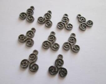 9 breloque spirale triskel 15 x 12 mm métal gunmetal