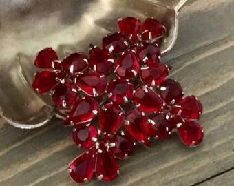 Vintage Red Glass Vintage Brooch - Vintage Brooch - Vintage Pin - Vintage Red Jewelry - Vintage - S