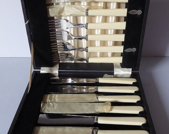 Vintage Boxed Set of Firths Stainless Fish Knives and Forks, Cream Coloured Handles, Excellent Condition