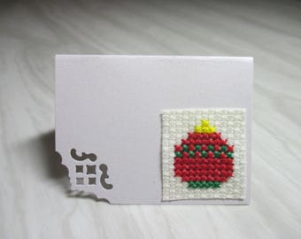 """Mini Card mark up embroidered """"Red and green Christmas ball"""""""