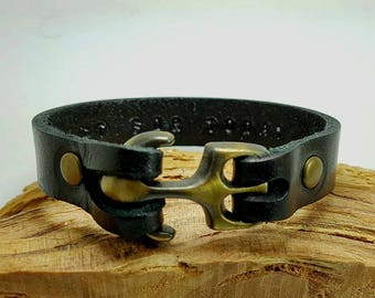 Personalized Gift for Boyfriend  men Leather Bracelet Mens Leather Bracelet Customized Gift Engraved