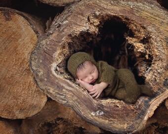 Tree trunk-Enchanting digital background