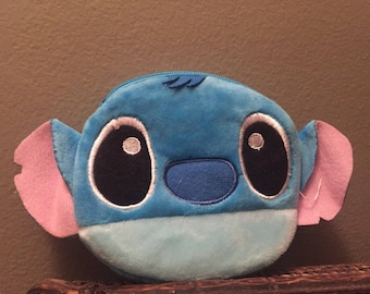 Disney Stitch Coin Purse! Comes with a surprise Stitch pin inside!