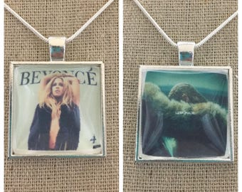 Beyoncé album cover photo pendant necklace. Beyoncé -lemonade album pendant. Beyoncé - 4 album pendant.Beyonce jewelry.Beyonce necklace