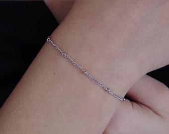 Dainty Bracelet, Silver Satelite Bracelet, Minimalist bracelet, Chain bracelet, Thin chain bracelet, Skinny bracelet, Delicate bracelet