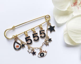 555 Good Luck Pin, New Mum Gift, Hamsa Pin, Stroller pin, Diaper Bag Safety Pin, Baby Pin, New Mommy, Gift For New Mom, Evil Eye Baby Pin,