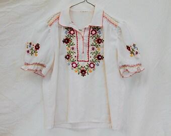 Vintage peasant top blouse