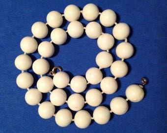 Vintage! Large white plastic bead single strand necklace.